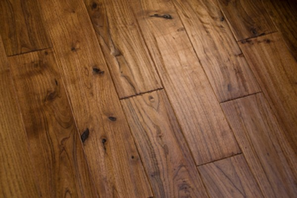 Laminate wood flooring impression
