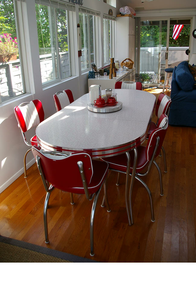 Retro Table And Chairs For Your Wonderful House