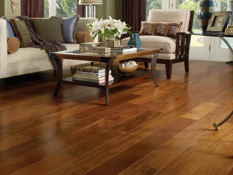 Laminate wood floor with great and attractive design seeur for Cheap laminate flooring