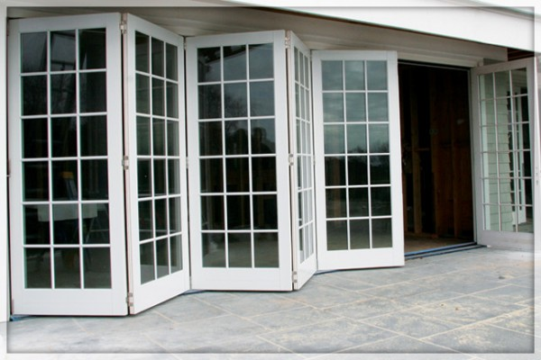Bifold doors external with modern concept seeur for Patio doors folding sliding