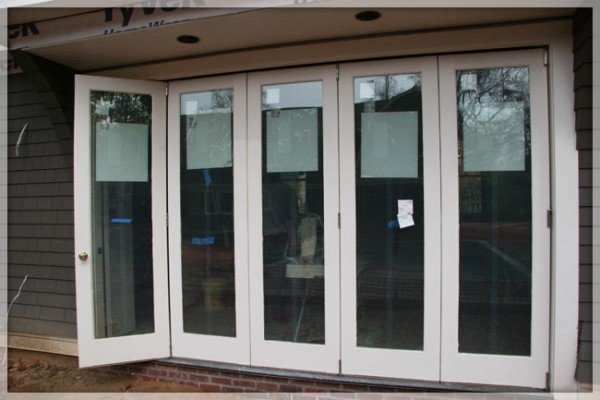 folding-patio-doors-exterior-folding-doors-glass-bi-fold-doors-with-best-decor-and-glass-patio-doors