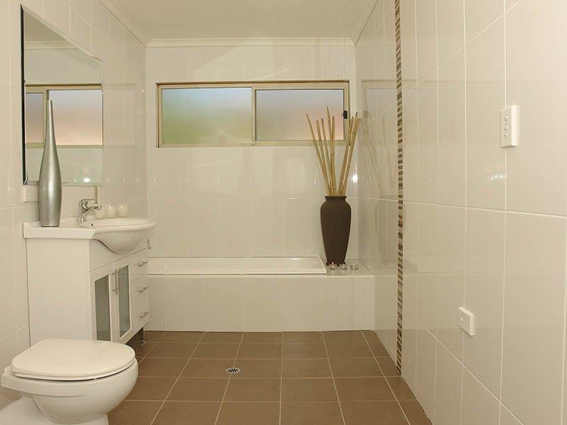 bathroom tiles design with attractive style seeur - Bathroom Tile Design Ideas