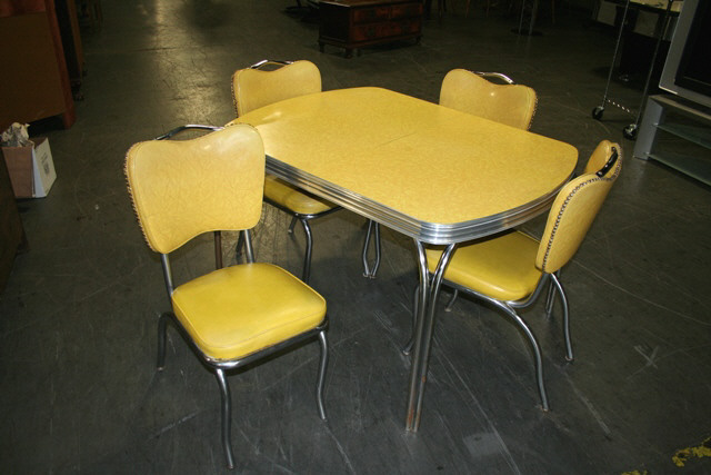Aluminum Kitchen Table And Chairs