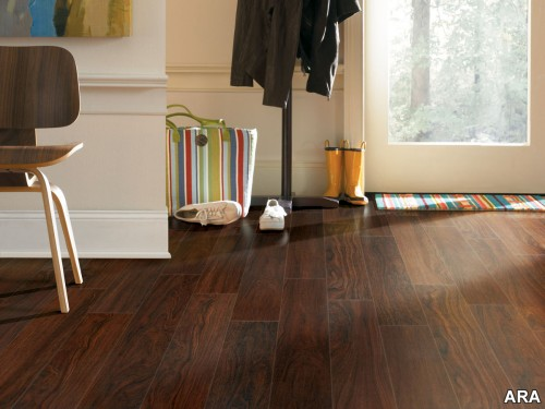 Laminate Wood Floor With Great And Attractive Design Seeur