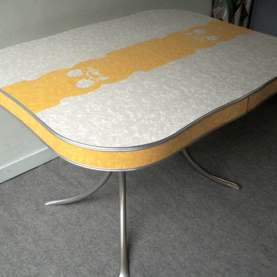 yellow formica table on vintage design seeur. Black Bedroom Furniture Sets. Home Design Ideas