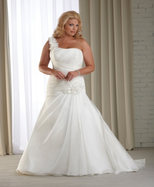 One-Shoulder-Plus-Size-Wedding-Dresses