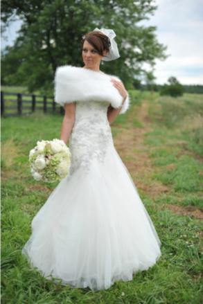 fabulous_furs_wrap_bride