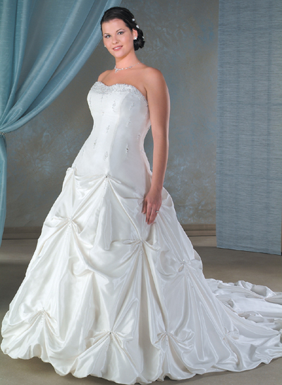 plus_size_wedding_dresses_026
