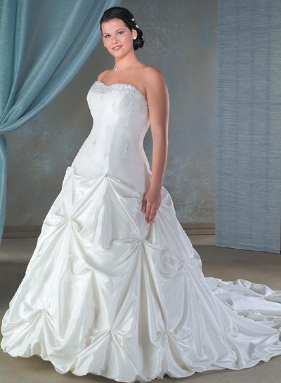 plus_size_wedding_dresses_026