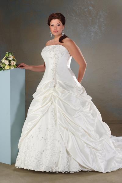 plus_size_wedding_dresses_028