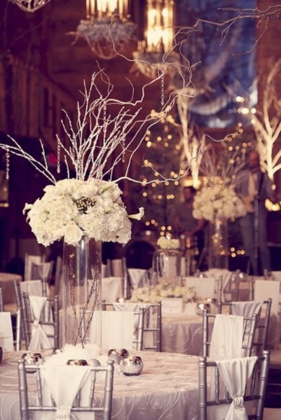 winter-wedding-table-decor-ideas-23