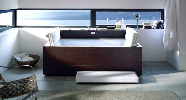 Duravit Moden wood clad bath tub with nautical views