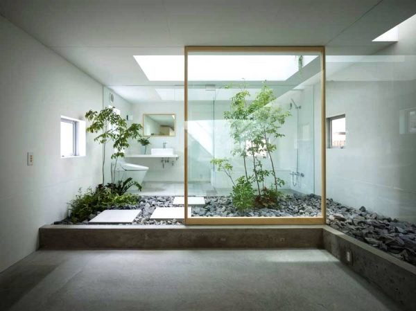 Japanese style zen bathroom with courtyard