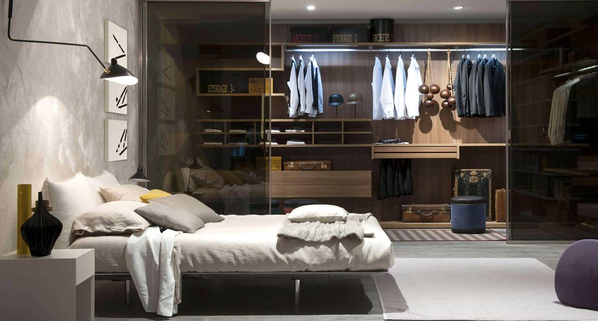Marvelous master bedrooms with unique wardrobes ideas seeur for Master bedroom closet door ideas