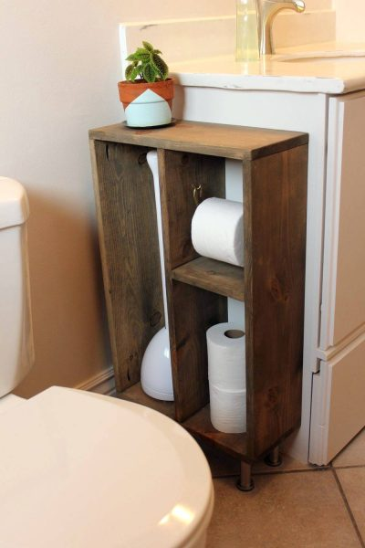 Side bathroom storage