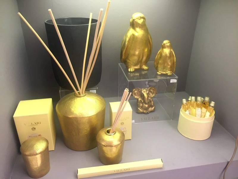bathroom gold oil set