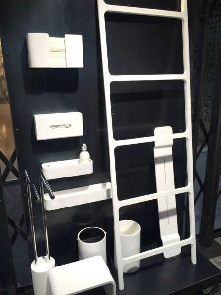 Contemporary bathroom accessories set