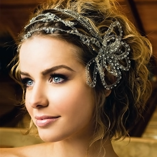 Wedding-hairstyles-for-wavy-hair
