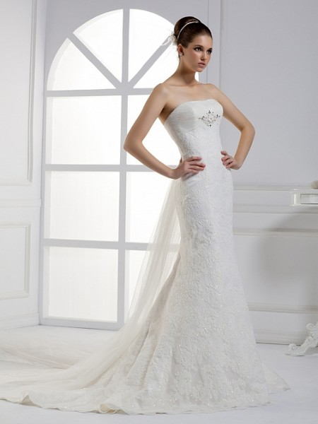 Type Of Neckline For Brides With Little Chest