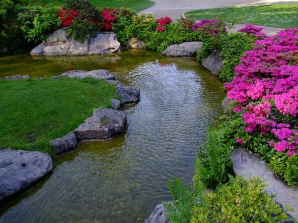 plastic rock white flower garden borders