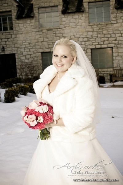 Bridal-Portrait-in-the-Show-The-French-Bouquet-Artworks-Tulsa-Photography