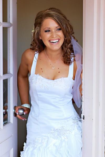 casual-beach-bride