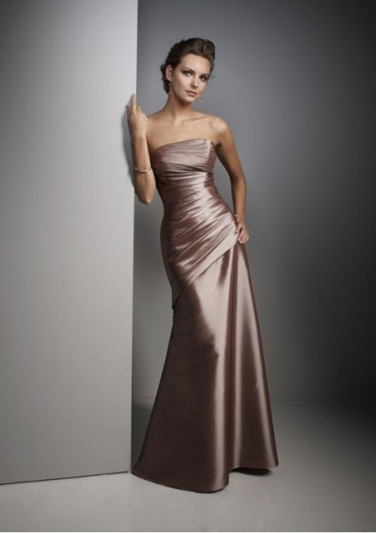 taffeta-strapless-rouched-bodice-with-a-line-skirt-bridesmaid-dress-bm-0094