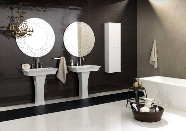 Bruna Rapisarda art deco symmetrical bathroom with tub