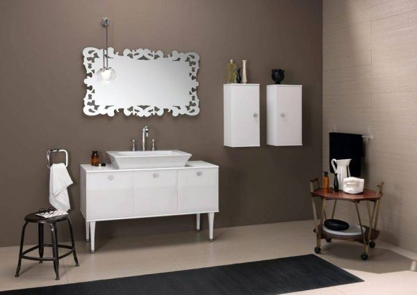 BrunaRapisarda taupe and silver theme bathroom
