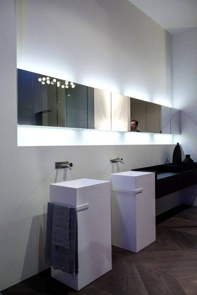 Double freestanding sink