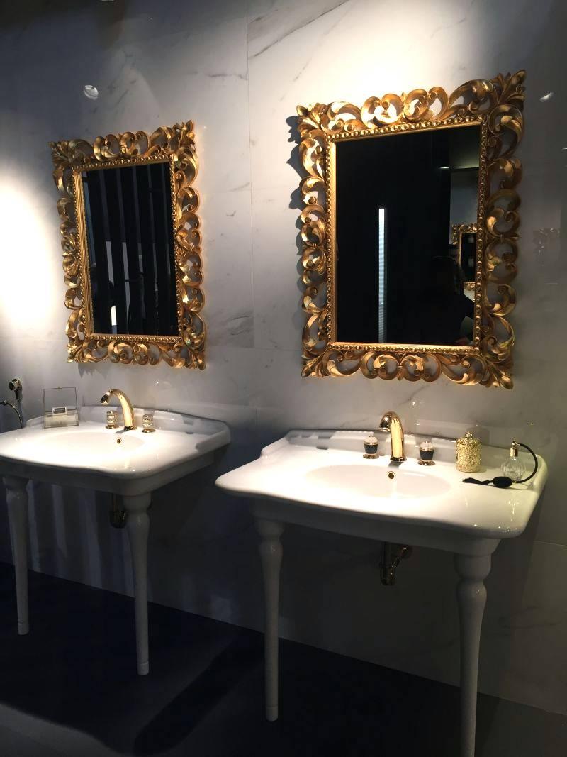 Timelessly Luxurious Bathroom Interior
