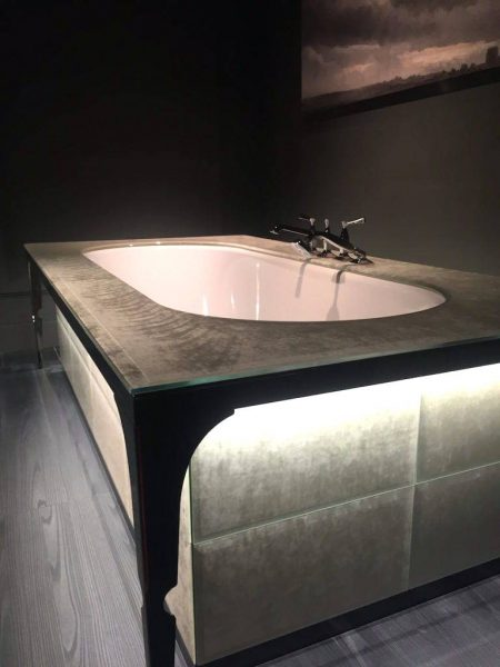 Modern Built in style bathtub