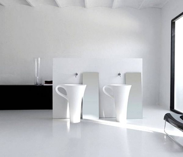 White coffee cup basins