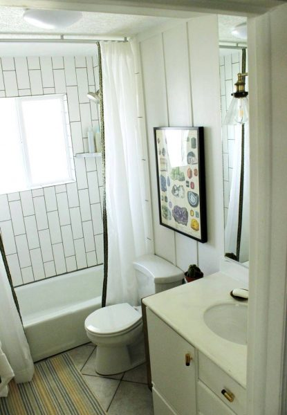 Bathroom accessories to decorate