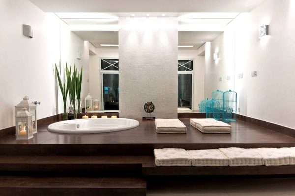 stepped platform bath tub